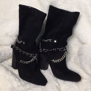 Nine West 8.5 black suede boots with chain detail